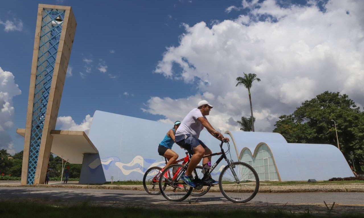 Andar na Pampulha de bicicleta é um excelente passeio e atividade física